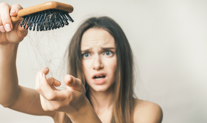 Saç Dökülmesini Engellemenin Yolları