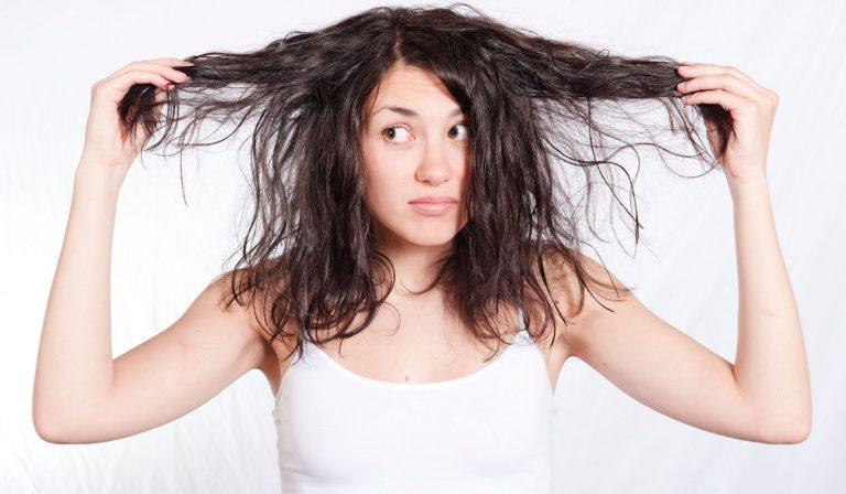 Saçlarınız Neden Çabuk Yağlanıyor?
