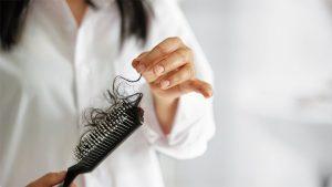Saç Dökülmesi Neden Kaynaklanır?